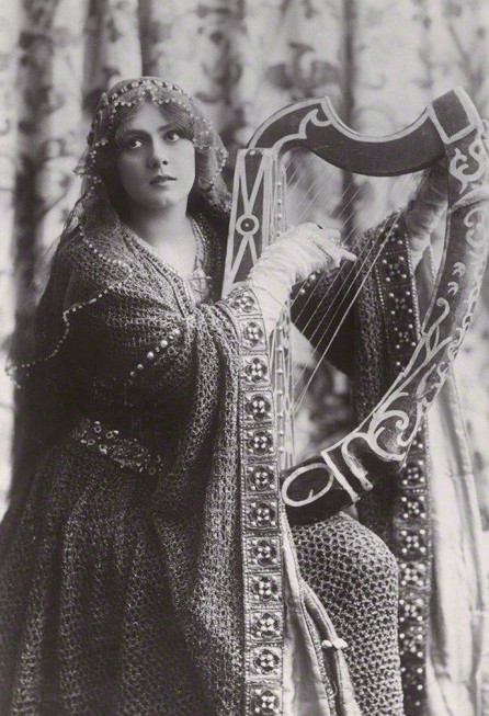 Lily Brayton (1876-1953) as Iseult in 'Tristram and Iseult' by Rita Martin, published by Rotary Photographic Co Ltd, bromide postcard print, 1906 (detail) © National Portrait Gallery, London
