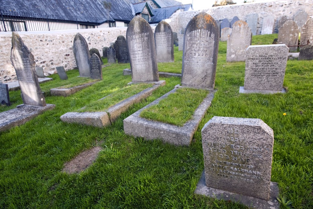 Penzance Jewish Cemetery. Photo by Phil Monckton