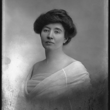 Kitty Marion (Katherina Maria Schafer), militant suffragette and actress, by Bassano Ltd, whole-plate glass negative, 1914 © National Portrait Gallery, London